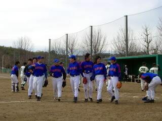 寺平が趣味でやってる草野球チーム「ブルーレックス」のチームメートと